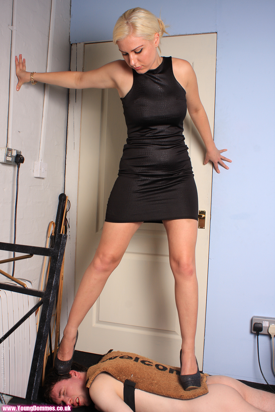 Femdom Gallery Archives | Page 5 of 17 | Young Dommes